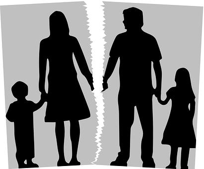 老公起诉离婚,他教唆7岁和9岁的孩子说不愿意跟我,法院会把两个孩子都判给他吗?南京离婚律师谢保平免费法律咨询微信:18601404123