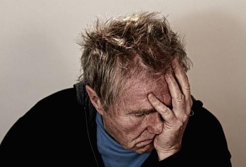 【南京离婚律师谢保平法律咨询】得了老年痴呆,现任妻子对他很不好,怎么向法院起诉离婚?