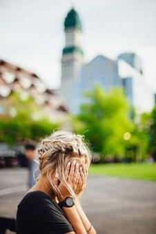 【南京离婚律师谢保平法律咨询】丈夫去世后发现他欠了很多债,我要替他还债吗?律师告诉你这4点