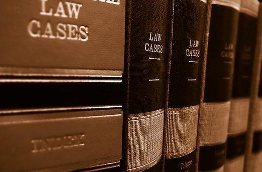 2021年3月22日,谢保平律师代理的一起离婚案件在南京市秦淮区人民法院开庭。南京离婚律师谢保平免费咨询电话微信:18601404123